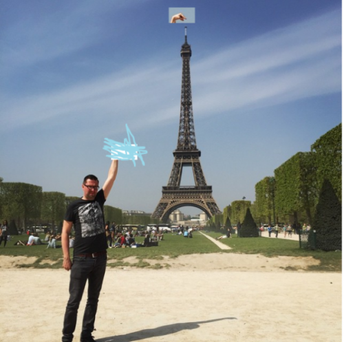 photoshop-eiffel-tower-tourist-photo-sid-frisjes-14